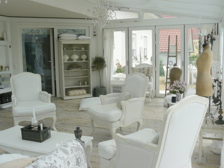 white chabby chic interiors