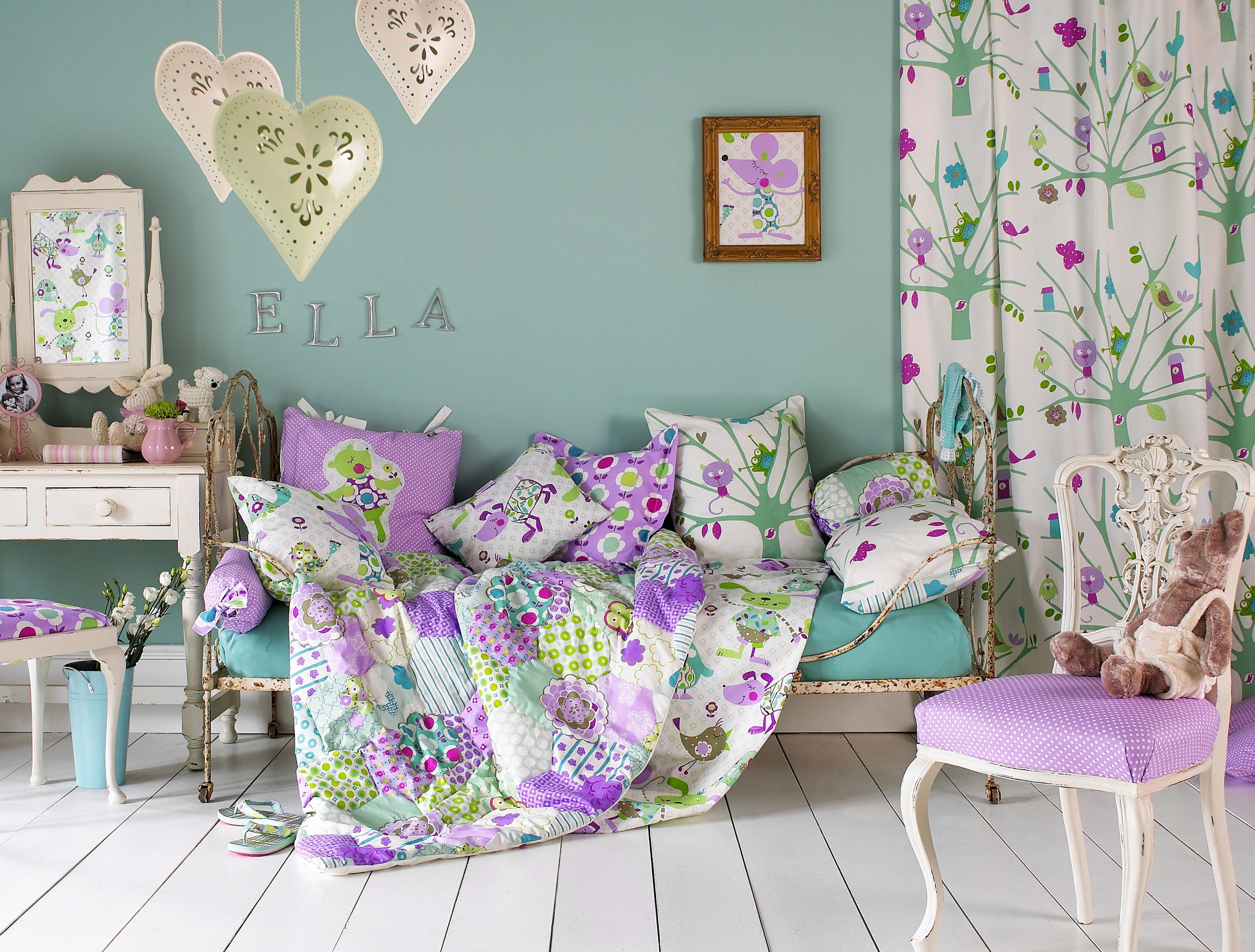 http://www.decoholic.org/wp-content/uploads/2013/03/spring_10_decorating.jpg